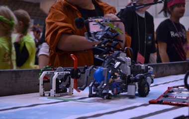Young Students Compete in Robotics Qualifier Challenge
